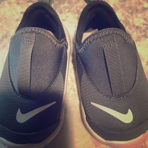 Like Brand New- size 4c in infants